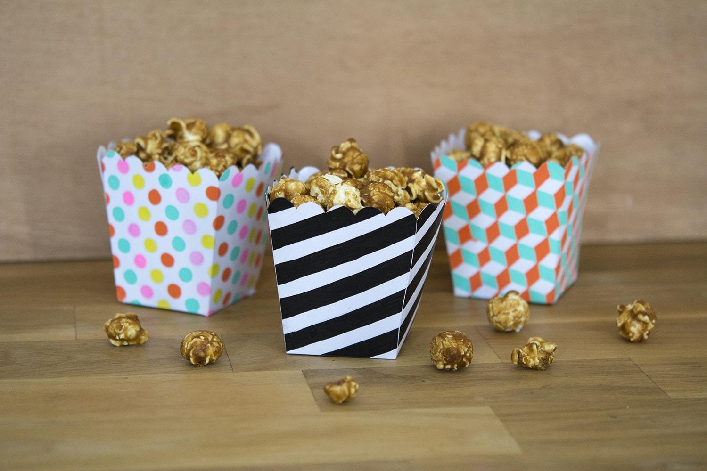 glossy_cardboard-popcorn-min
